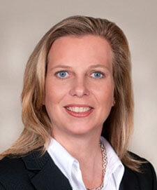 Dr Raelyn Calendine